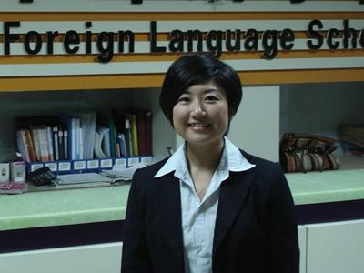 日语教师:福本志穗