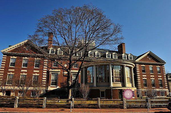 青岛英语学校权威发布:2013年世界大学声誉排行榜!
